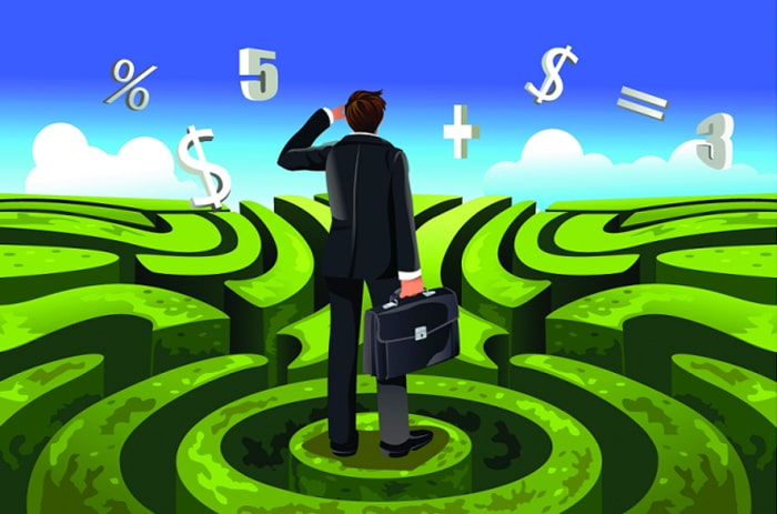 Человек, выбирающий тактику инвестирования